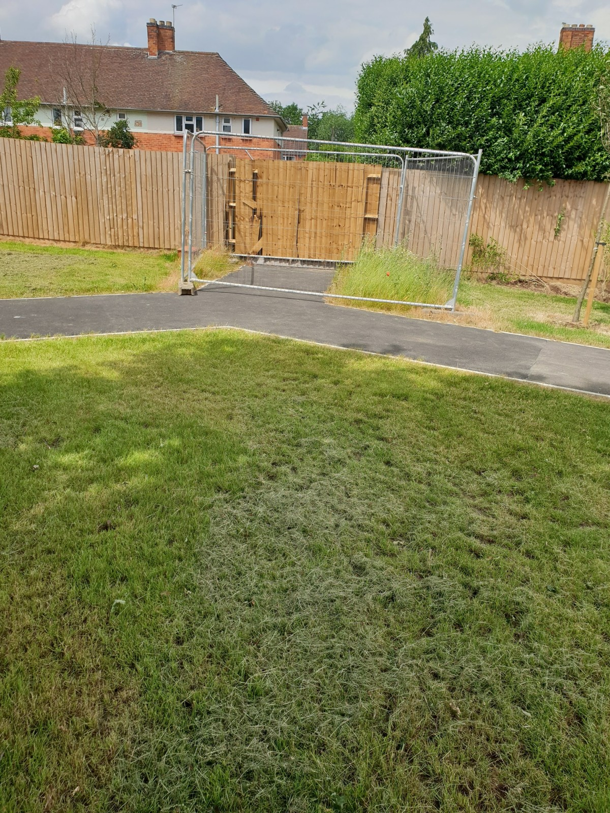 The Shelthorpe/Chimes Fence: what's goingon?